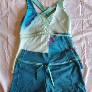 lululemon shorts 6 and top
